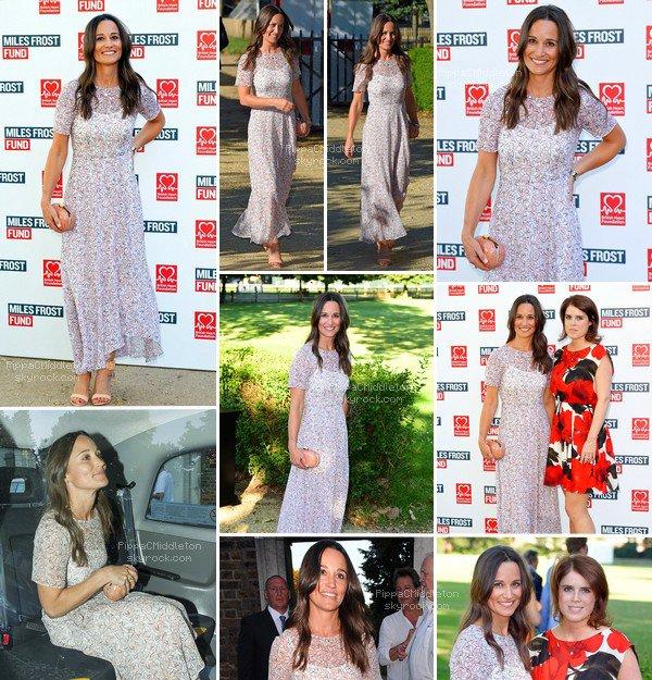 - 19/07/2016 : Pippa heureuse plus que jamais, elle s'est fiancée à James Matthews : Tenue : Robe French Sole - Gladiator Sandals  -