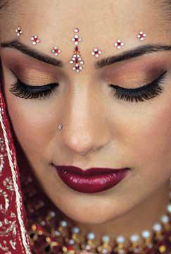 Maquillage Facon Bollywood Coiffure Maquillage Et Henne