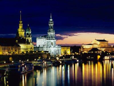 Elbe_-_Dresden%2C_Germany