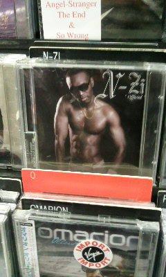 N-ZI album au Virgin des CHAMPS ELYSEE