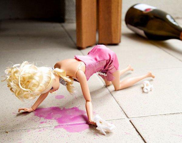 Barbie n'a qu'a bien se tenir...