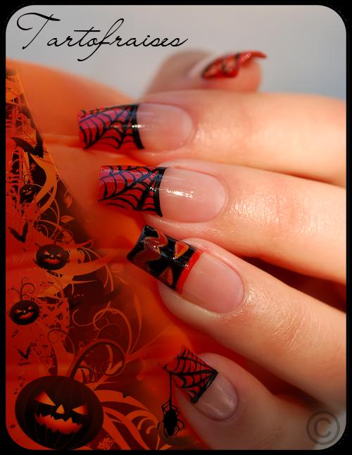 Hallo.. Ween ? C'est NailArt.sky qui propose des nail art, passe les voir :)