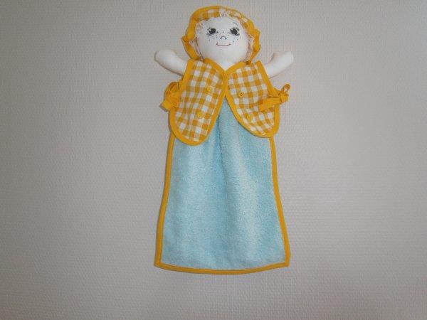 Poupée essuie main vichy jaune moyen carreaux serviette turquoise