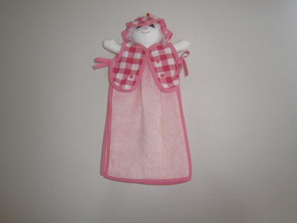 Poupée essuie main vichy rose grand carreaux serviette rose