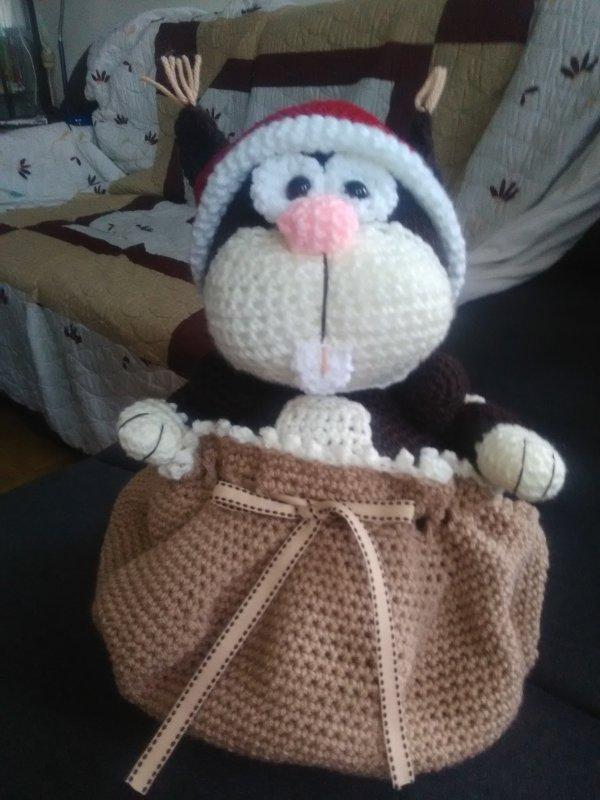 Petit écureuil dans son sac