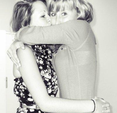 Sandy  _‹`3                                 Meilleur amie, mon tout..  ♥