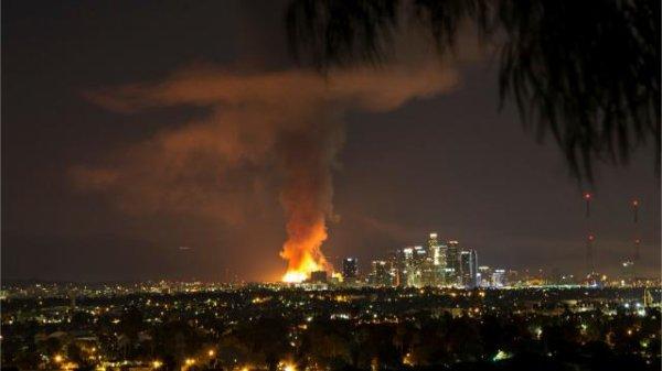 USA. Un énorme incendie dans le centre de Los Angeles
