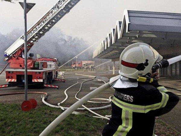 Par manque de moyens et de personnels de nos services, il arrive que des Pompiers Suisses interviennent en France !