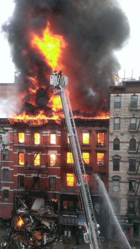 New York. Important incendie, au moins 12 blessés !
