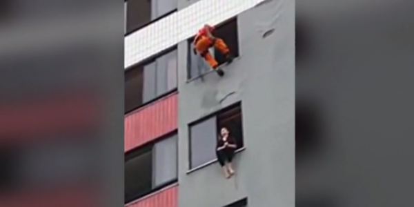 Sauvée du suicide par un pompier ninja !