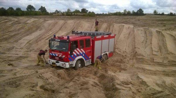 [ HUMOUR ] Paris-Dakar pour véhicule de service d'incendie