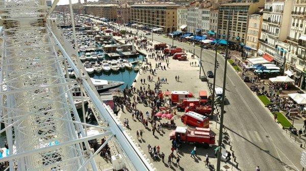 EVENEMENT: Le dispositif Journée Portes Ouvertes sur le Vieux-Port vu dans haut. BMPM
