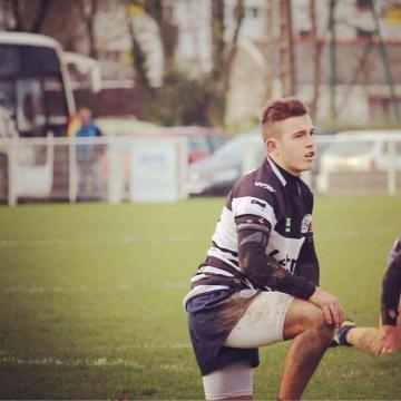 Rugby. Le joueur du RC Vannes sauve un adversaire !