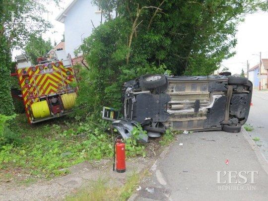 Territoire de Belfort (90 ) : Un fourgon incendie percute violemment une voiture en partant en intervention !