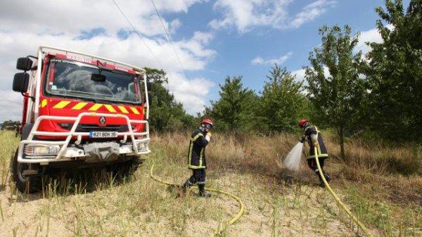 Trois hectares de chaume en feu au sud de Rennes