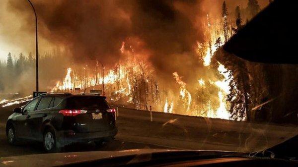 #Canada. Fort McMurray, ville en cendres ravagée par un feu monstrueux !