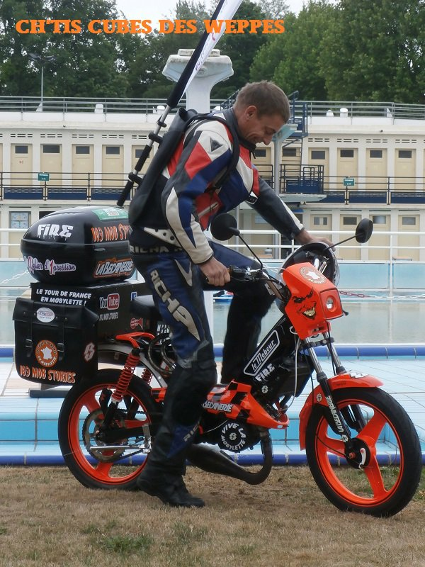Départ Arnaud tour de France en Mob