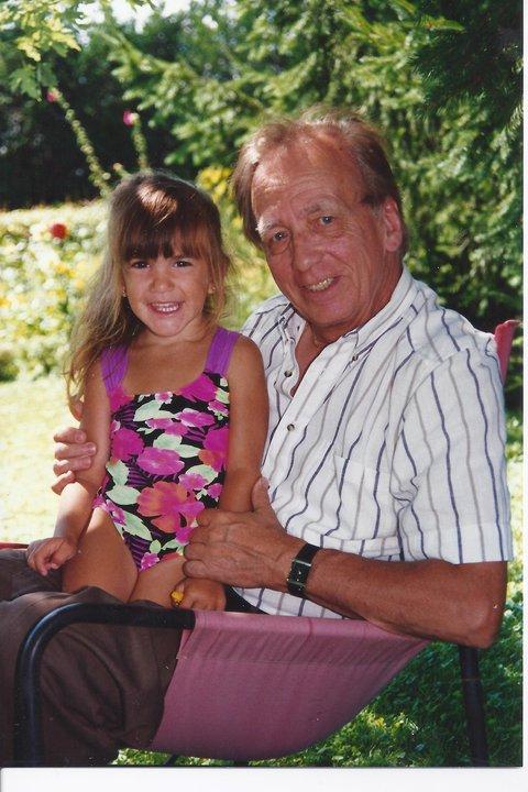 Moi a 4 ans et mon grand papa :)