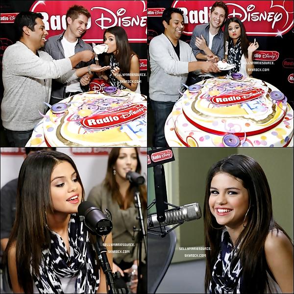 29/03/11 : Selena était dans les studios de la radio Disney pour parler de sa prochaine tournée.Découvrez une nouvelle photo de sel pour Paper Magazine dans la section « 2011 Most Beautiful People ».Vous aimez?