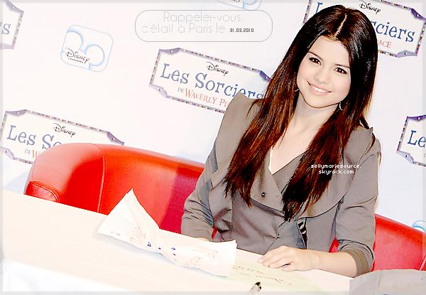 """22.08.2012 :  Selena a été aperçue sur le tournage du film """"feed the dog"""".j'ai un coup de coeur pour son short qu'elle porte pour la deuxième fois,mais je n'aime pas trop son t-shirt.Vos avis?"""