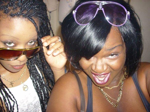 X.S & Foxxy Crapulita 2 Chick'zzzzzzzz sur la place!!!
