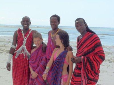 gilles et moi avec les fameux masai a zanzibar :)