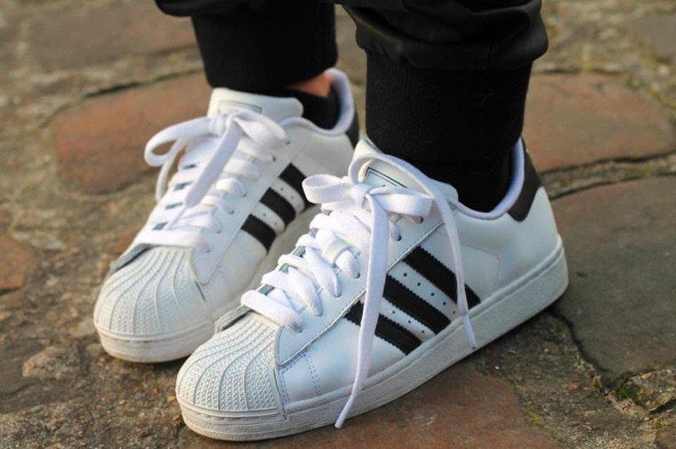 Si tu ne trouves pas chaussure à ton pied, ne perd pas ton temps! Marche pieds nus.