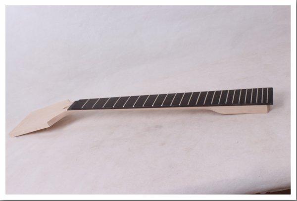 Le manche de la Guitare, (258),