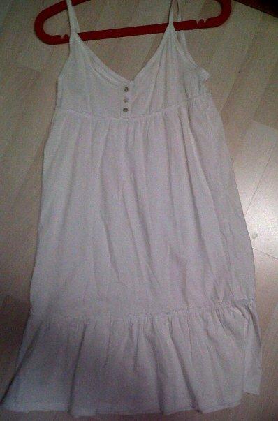 Jolie robe blanche pour la plage La Redoute acheté 19¤ revendu 8¤ FDPC, Taille 38 .