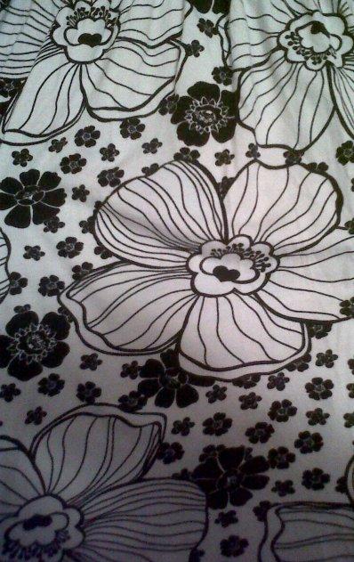 Petite robe H&M Pour été noir et Blanche taille S achetée 15¤ Vendu 7¤ FDPC.