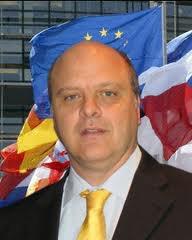 L'UNION-EUROPÉENNE A DÉPÊCHÉ SON AMBASSADEUR ALESSANDRO MAIRIANI AUX COMORES.
