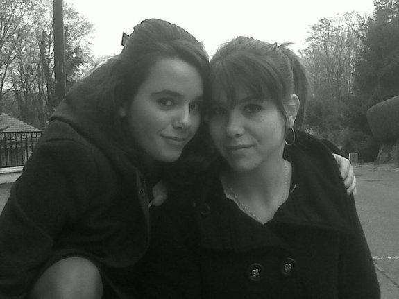 - Elodie & Allison ; Petite soeur <3