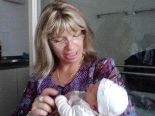 ma soeurette et sa filleule celia le jour de sa naissance