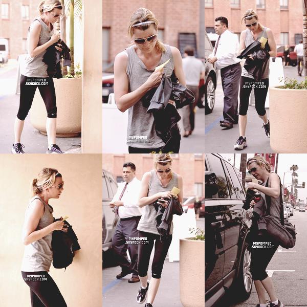 ellen __________18.04.2011 _______ ↪ Ellen a été repéré rentrant dans une salle de sport a Beverly hills. ellen
