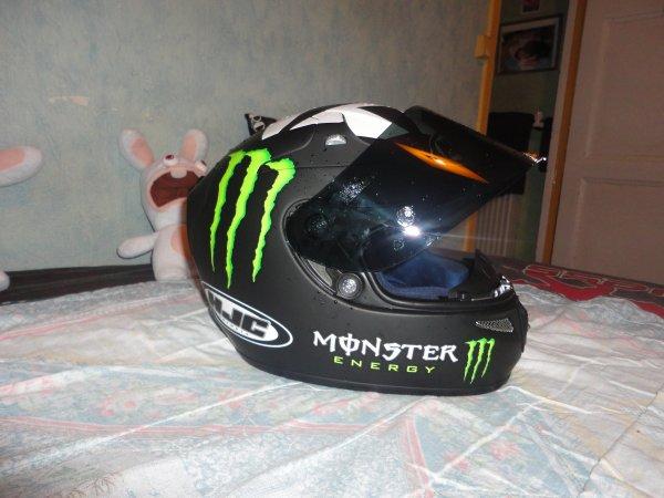 Mon nouveau casque Monster.  Cadeaux de ma copine pour mes 21 ans <3