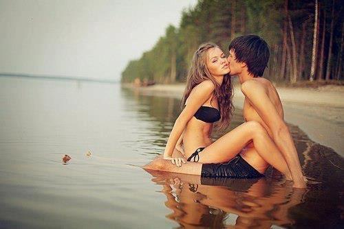 """""""L'amour naît de rien et meurt de tout ; on s'aime sans raison, on s'oubli sans motif."""""""