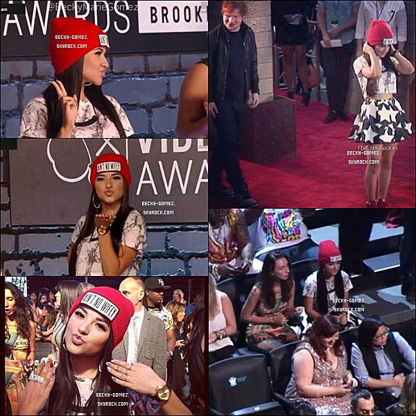 25.08.2013 - Becky était au VMA Music Awards.