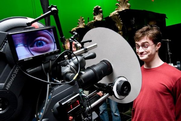 New still of Arthur + Behind the scenes picture of Harry