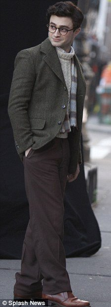 Kill your Darlings - First shots of Dan as Allen Ginsberg!! (4)