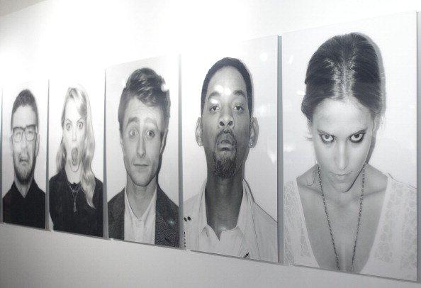 'El Hombre de Negro' Exhibition