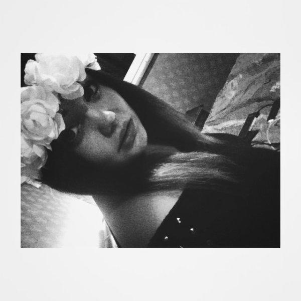 _ _ Parce que je mourrai juste pour te montrer, que j'ai besoin de toi ici avec moi maintenant.