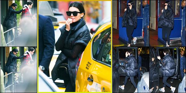 18.11.2017 ─ Kendall Jenner a été photographiée, alors, qu'elle se promenait dans les rues, étant dans New-York.Le soir, Kendall Jenner a été photographiée alors qu'elle quittait un restaurant toujours à New-York. Concernant sa tenue, c'est un jolie top de ma part !
