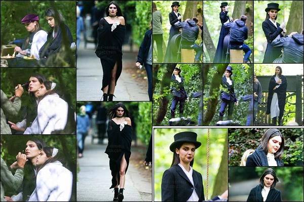24.05.2016 ─ Kendall Jenner a été photographiée, alors, qu'elle était sur le set d'un photoshoot, étant, à Londres.La mannequin a donc réalisé un nouveau photoshoot mais on n'a pas plus d'informations. En tout cas, je suis sûre, qu'il sera très jolie comme d'hab !
