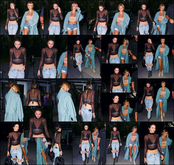 - 06.08.16 ─ Kendall Jenner se dirigeait au lieu du concert d'Adele avec son amie Hailey Baldwin à Los Angeles.[/s#00000ize]Kendall adopte cette fois-ci un look assez rock pour le concert de la chanteuse britannique : dont un jeans destroy et une brassière de chez Givenchy. -