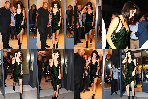 08.09.2016 ─ Kendall Jenner a été photographiée alors qu'elle quittait l'appartement «AirBnB» à New-York City.La jeune mannequin a ensuite été photographiée retournant à l'appartement AirBnB dans la soirée, elle a même été vue dans New-York City. Top !