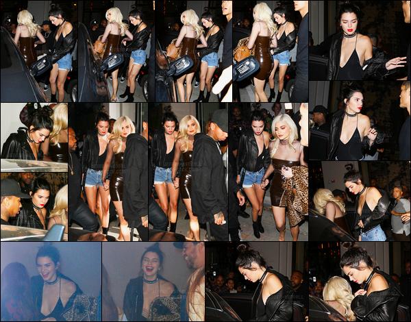 22.09.2016 ─ Kendall Jenner a été photographiée alors qu'elle se promenait dans les rues dans West Hollywood.La jeune belle mannequin été accompagnée de sa petite soeur, Kylie Jenner ainsi que le copain de celle-ci, Tyga. Concernant la tenue, c'est un top !
