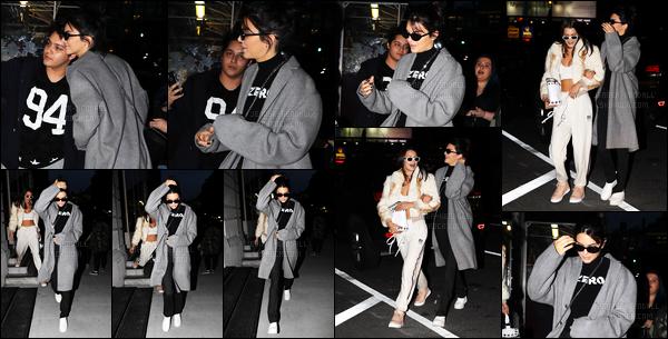 29.09.2016 ─ Kendall Jenner a été photographiée alors qu'elle quittait le restaurant Nobu, qui est, à New-York.La jeune mannequin est aller dîner en compagnie de Bella Hadid. Nous avons que deux photos de l'arrivée des filles, je poste uniquement, la sortie.
