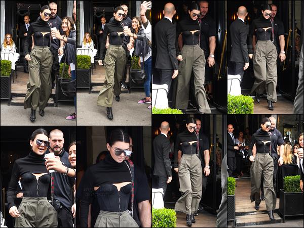 02.10.2016 ─ Kendall Jenner a été photographiée arrivant puis quittant le restaurant l'Avenue, qui est dans Paris.C'est après avoir défilé que la belle Kendall a été déjeuner, toujours dans la même tenue que précédemment, à Paris. Mon avis ne change donc pas !