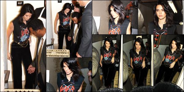 13.10.2016 ─ Kendall Jenner était présente au What Goes Around Comes Around, qui se situe dans Beverly Hills.C'est toujours dans la même tenue que nous avons retrouvé la mannequin, mon avis est donc le même ! Plus tard elle a quittée le vintage store...