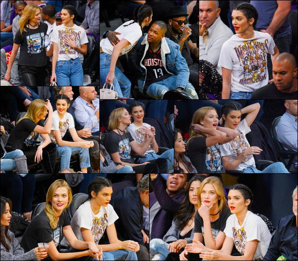 26.10.2016 ─ Kendall Jenner a été photographiée arrivant puis quittant le Staples Center, étant dans Los Angeles.Kendall J. accompagnée d'une amie, a assisté à un match de Basket des Lakers game de LA contre Houston Rockets. Pour sa tenue c'est donc un top !